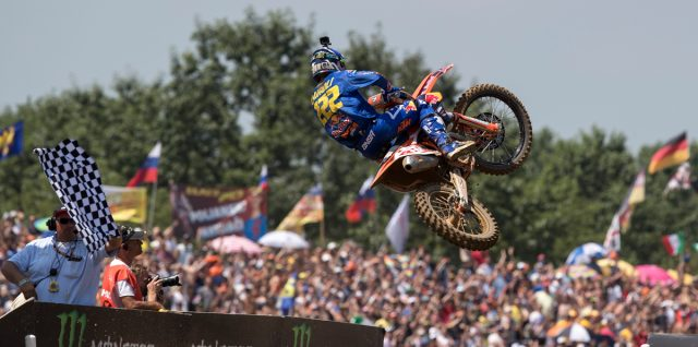 Cairoli wows home crowd for second MXGP success on home turf in 2017