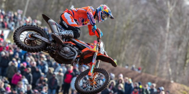 Herlings & Jonass triumph in the UK, Cairoli in Italy and 2018 official team photoshoot images