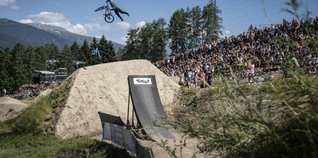 Rogatkin edges out rival Rheeder to defend Crankworx Innsbruck title