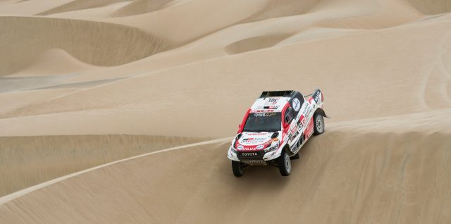 Al-Attiyah masters the dunes in successful Dakar start