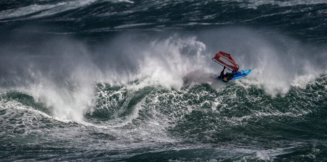 Red Bull Storm Chase /  Windsurfers tame 131kph winds and 8m high waves