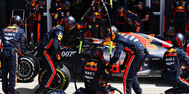 Red Bull Racing clock Formula 1's fastest ever pit stop