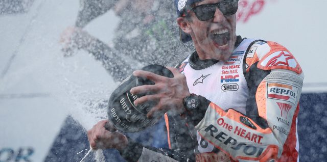 Márquez wins in Thailand to seal his 6th MotoGP crown