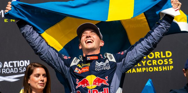 Timmy Hansen wins dramatic World Rallycross title decider