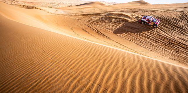 Motorsport / Dakar Rally / Peterhansel and Al-Attiyah cut deficit to Sainz ahead of last stage
